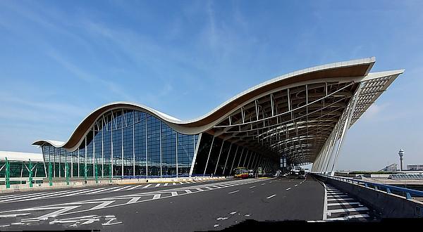 Resultado de imagem para aeroporto de xangai