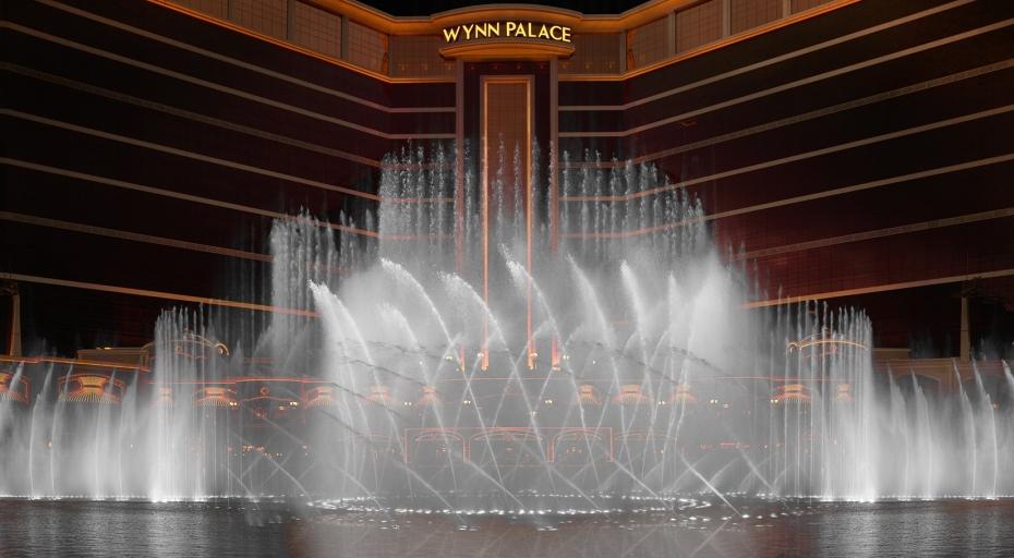 Photo 1 - Performance Lake Show
