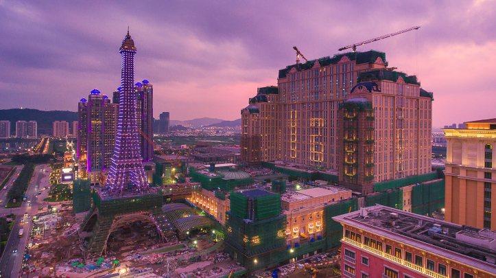 1.Parisian.jpg