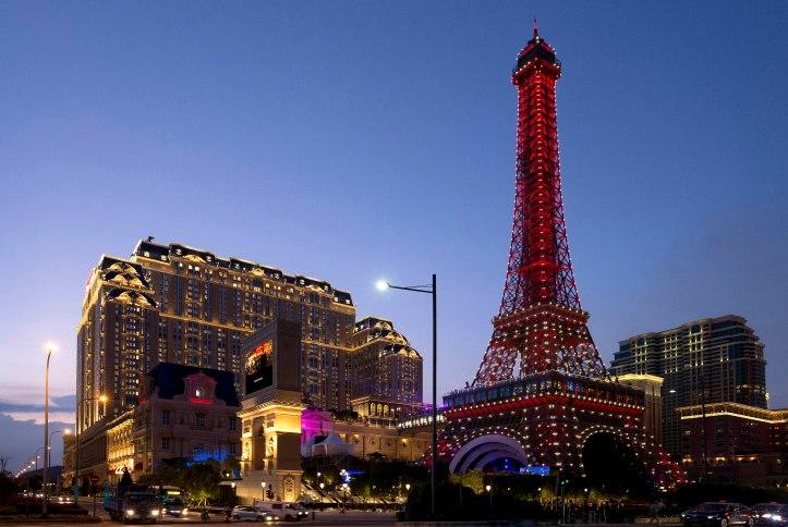 Inauguração do resort Parisian em Macau