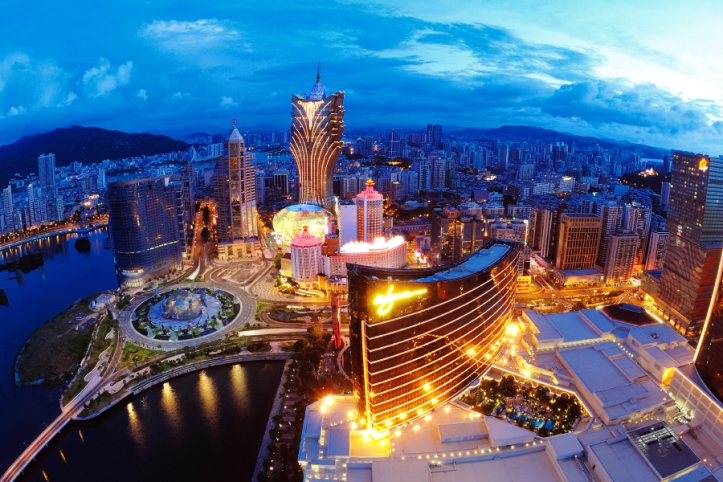 macau-casinos-revenue-april