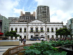 0-edificio_do_leal_senado