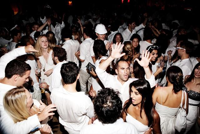 0-white-party