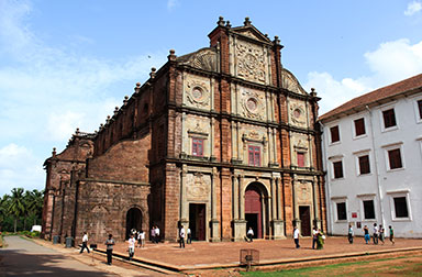 13_feat_basilica-of-bom-jesus-church-goa