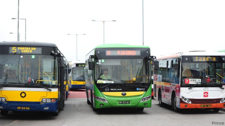 3-autocarros
