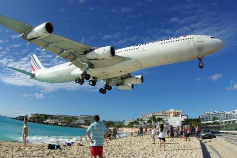 3-st-martin-airplane-maho-beach