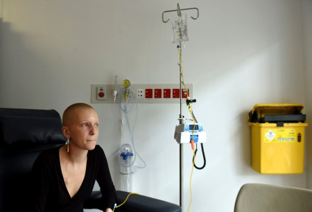epa05661740 A picture made available on 06 December 2016 shows cancer sufferer Matilda Kubany-Dean, aged 21, poses for a portrait during treatment at Royal Prince Alfred Hospital in Sydney, New South Wales (NSW), Australia, 05 December 2016. Doctors are recruiting cancer patients in a world-first medicinal cannabis trial in NSW for the prevention of chemotherapy-induced nausea and vomiting (CINV).  EPA/MICK TSIKAS AUSTRALIA AND NEW ZEALAND OUT