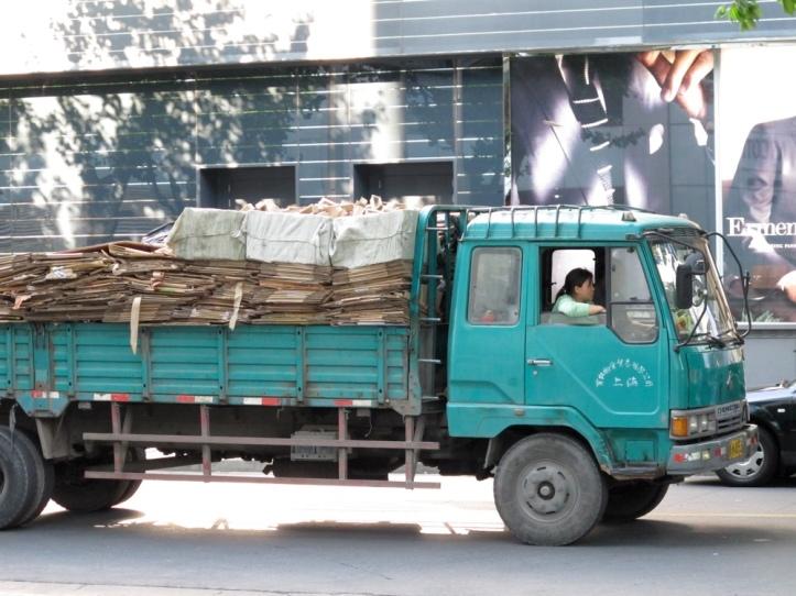 1-macau-truck-recycling