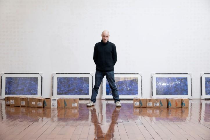 Artista José Drummond, fotografado na Fundação Oriente, em Macau.