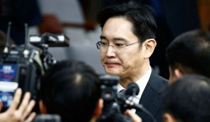 samsung-boss-faces-arrest-for-bribery