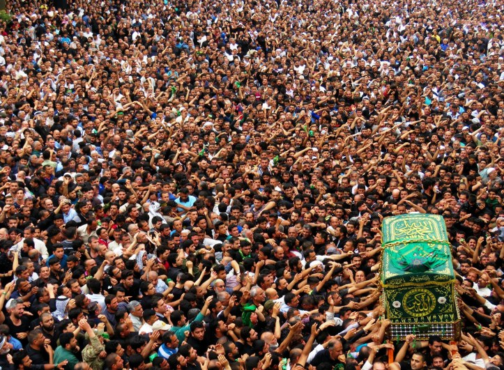 Iraqi Shiite pilgrims mark the death anniversary of seventh Shiite Imam