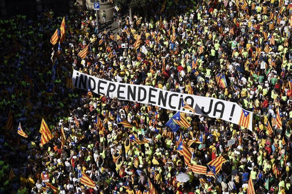 Governo espanhol recorre à Justiça contra aprovação de lei catalã para separação