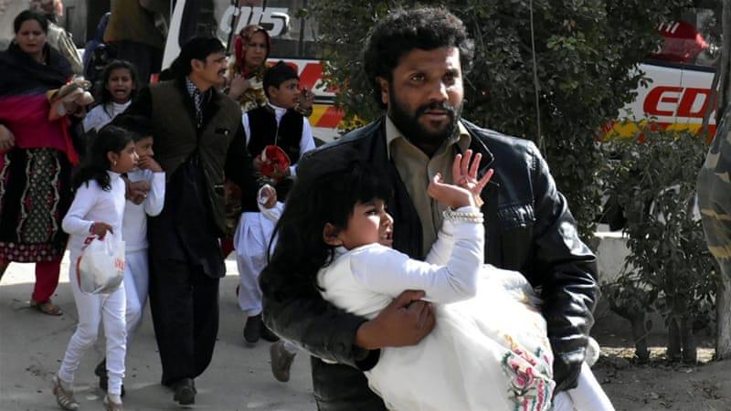 Ataque bombista contra igreja no Paquistão faz quatro mortos e 18 feridos