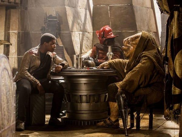 Star Wars: Os Últimos Jedi ultrapassa Rogue One